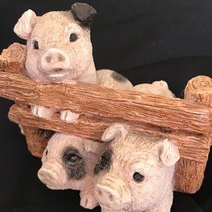 Three Little Pigs Sandicast Figurine